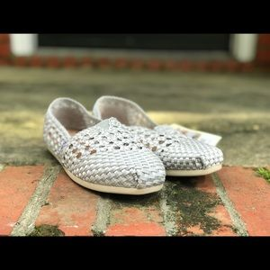 New With Tags Silver Satin Woven Women's Toms